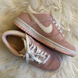 💖 Nike Dunk Low